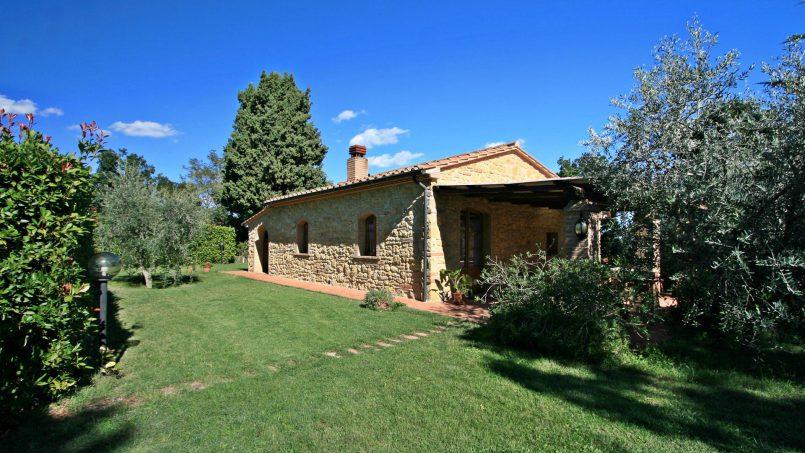 Cottage stone built Il Viale Tuscany Pisa 1