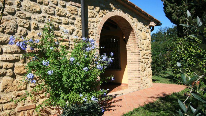 Cottage stone built Il Viale Tuscany Pisa 10