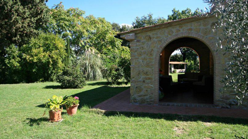 Cottage stone built Il Viale Tuscany Pisa 14