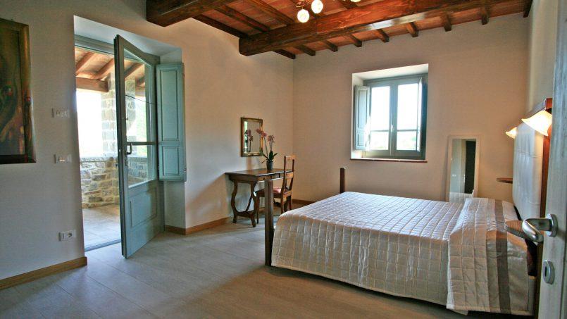 Stone villa Casa Bianca Tuscany Arezzo 30