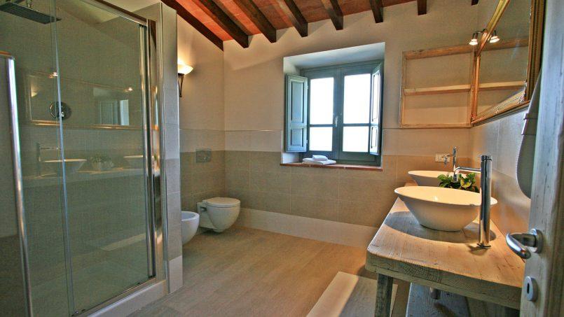 Stone villa Casa Bianca Tuscany Arezzo 32