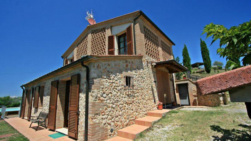 Hillside stone Villa Susino Rosso Tuscany Siena 4