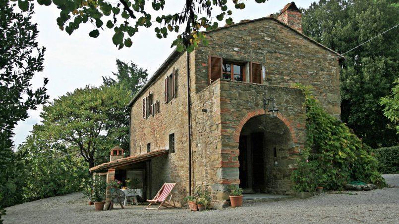 Old country church La Chiesetta Tuscany Arezzo 2