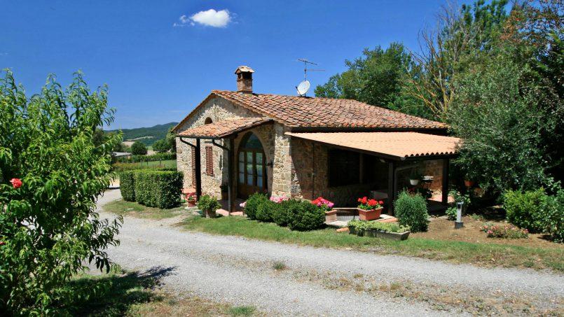 Stone cottage Graziosa Tuscany Siena 1