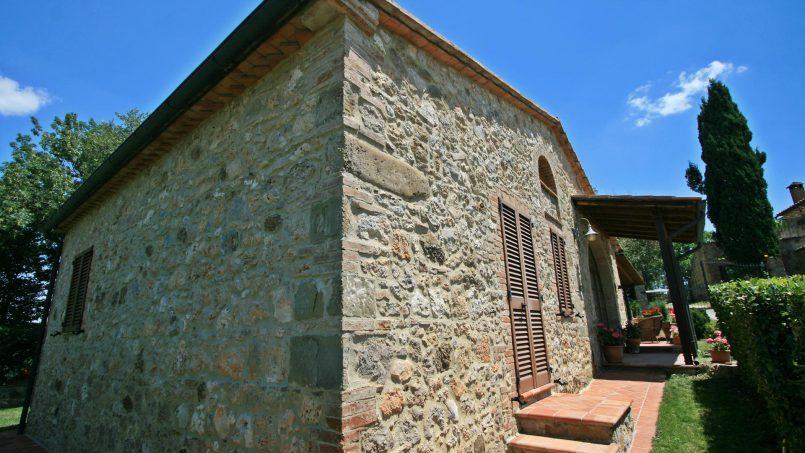 Stone cottage Graziosa Tuscany Siena 2