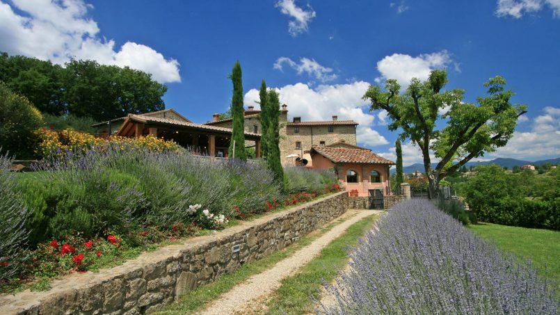 Ancient hamlet Borgo Sereno Tuscany Arezzo 10
