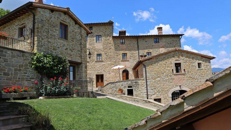 Ancient hamlet Borgo Sereno Tuscany Arezzo 20