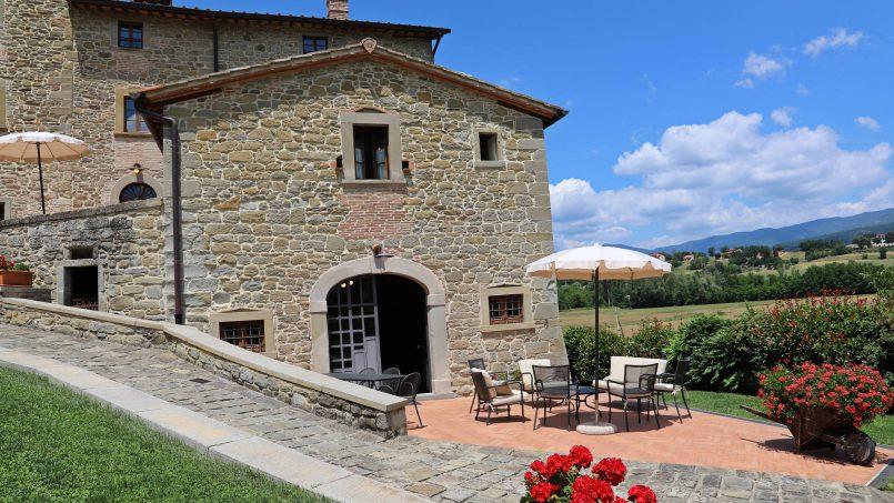 Ancient hamlet Borgo Sereno Tuscany Arezzo 22