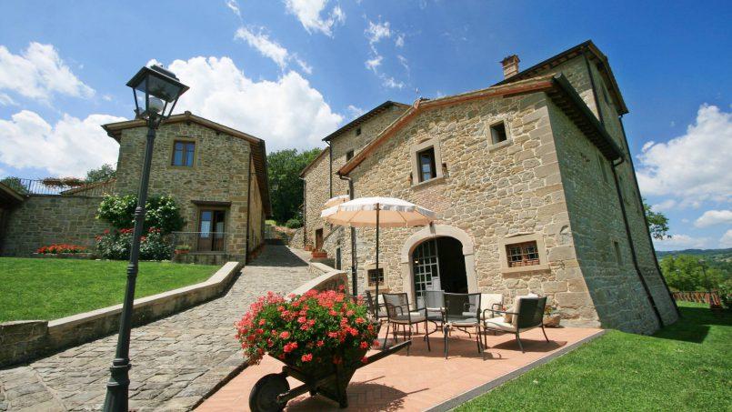 Ancient hamlet Borgo Sereno Tuscany Arezzo 23