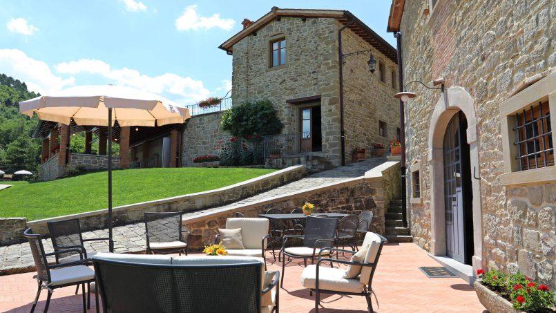 Ancient hamlet Borgo Sereno Tuscany Arezzo 24