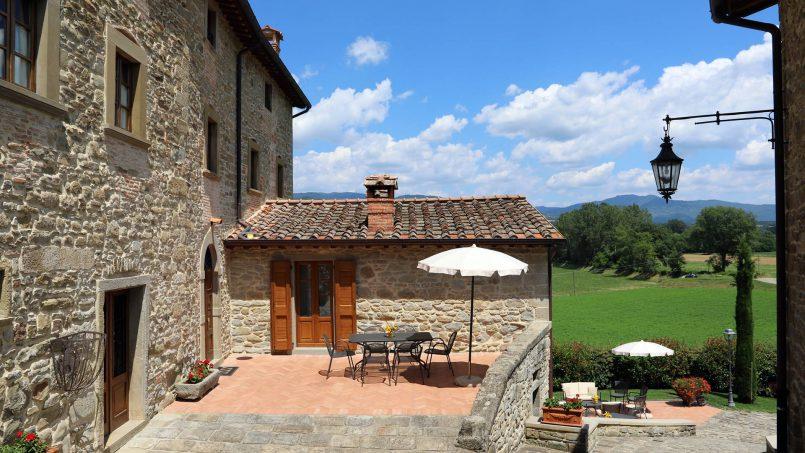 Ancient hamlet Borgo Sereno Tuscany Arezzo 25