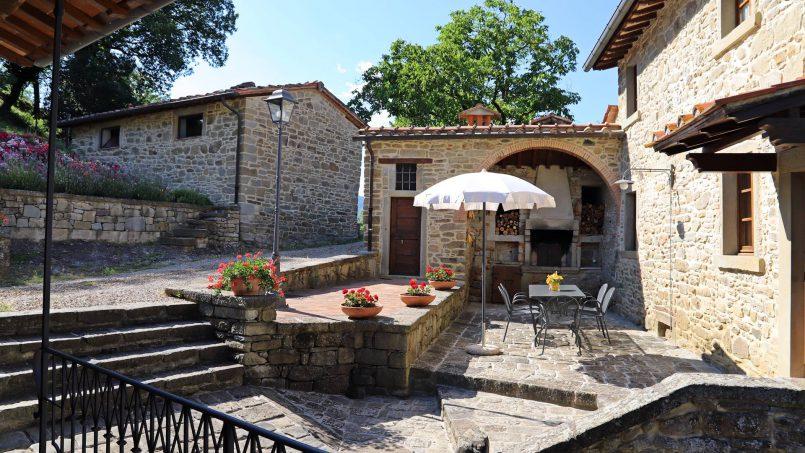 Ancient hamlet Borgo Sereno Tuscany Arezzo 27