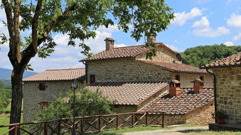 Ancient hamlet Borgo Sereno Tuscany Arezzo 30