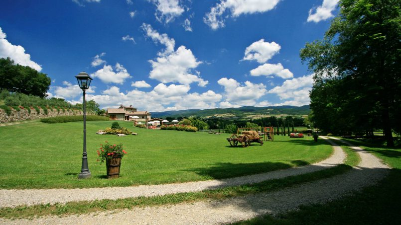 Ancient hamlet Borgo Sereno Tuscany Arezzo 4