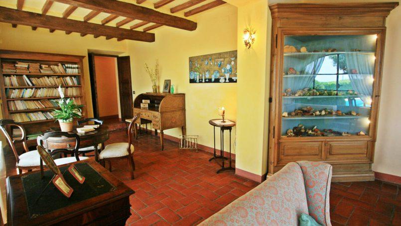 Hillside former convent Villa Dora Tuscany Siena 16