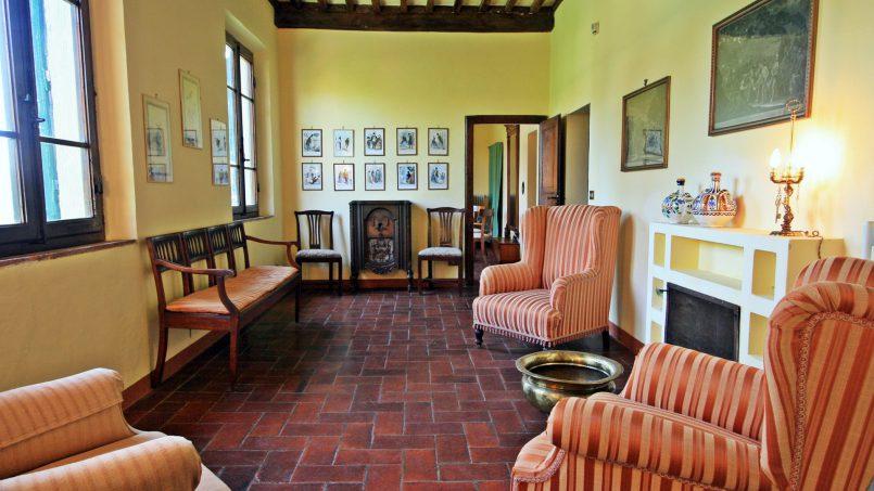 Hillside former convent Villa Dora Tuscany Siena 23