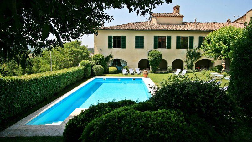 Hillside former convent Villa Dora Tuscany Siena 3