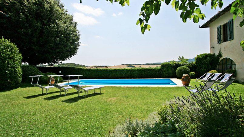 Hillside former convent Villa Dora Tuscany Siena 4