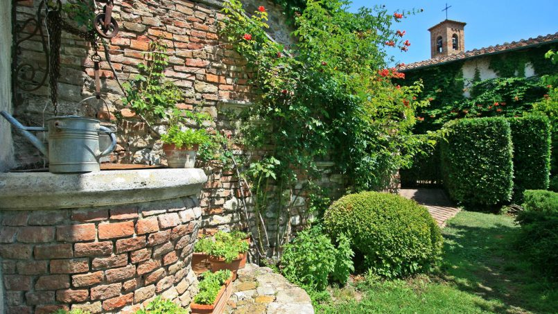 Hillside former convent Villa Dora Tuscany Siena 7
