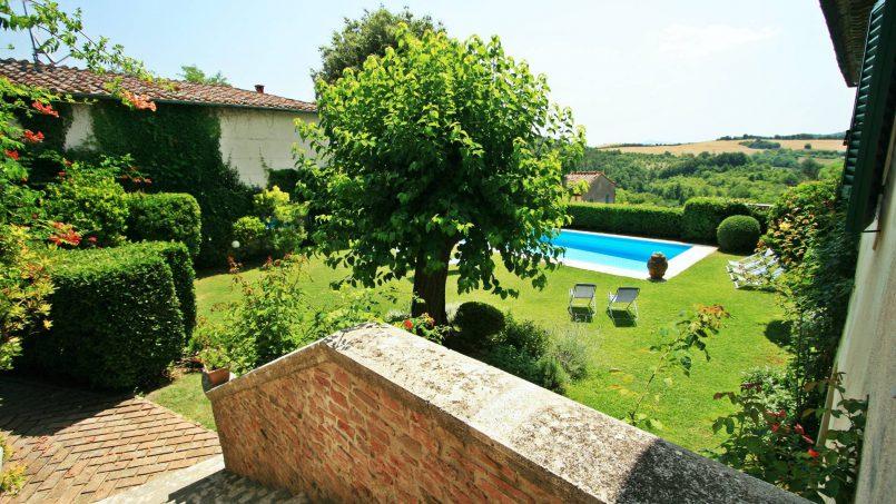 Hillside former convent Villa Dora Tuscany Siena 8
