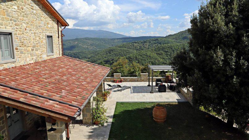Stone villa Casa Bianca Tuscany Arezzo 16