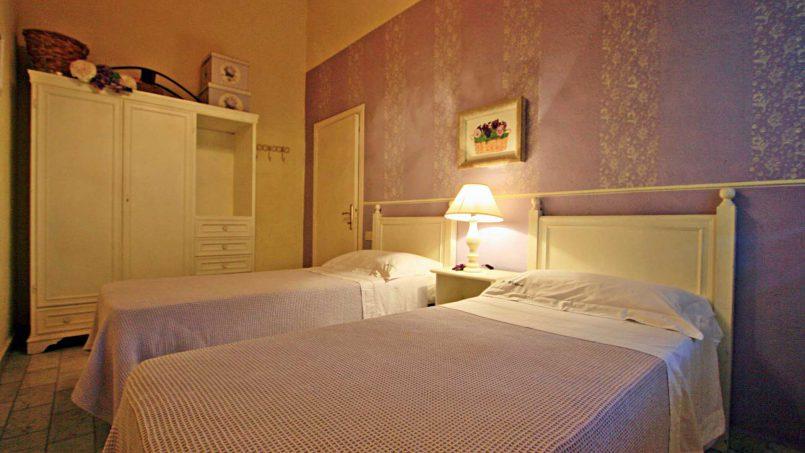 Romantic cottage Gelsomino Tuscany Casole d'Elsa 32