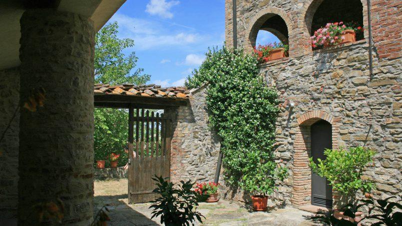 Stone farmhouse Il Colle Tuscany Radicondoli 14
