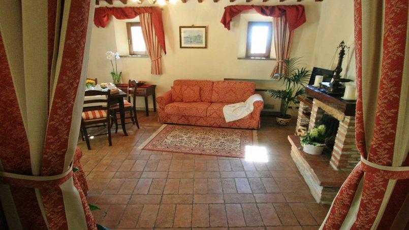 Holiday Villa old barn Peperoncino Tuscany Siena 22