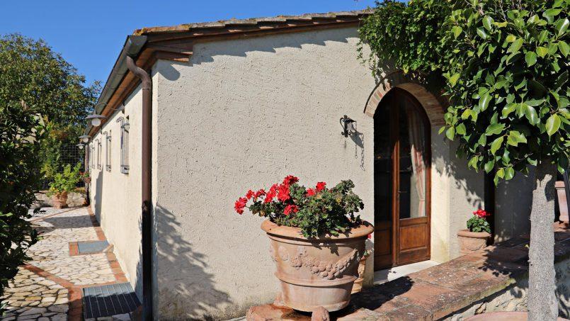 Holiday Villa old barn Peperoncino Tuscany Siena 3