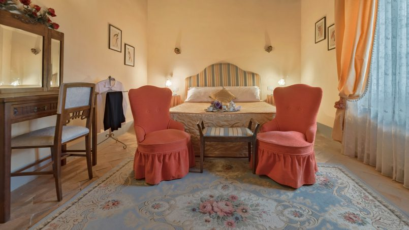Residence double pool Dolce Villa Arezzo 102