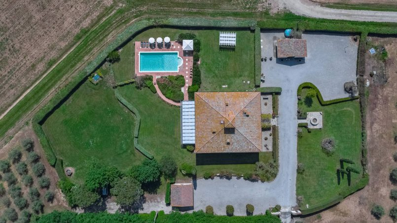 Residence double pool Dolce Villa Arezzo 11