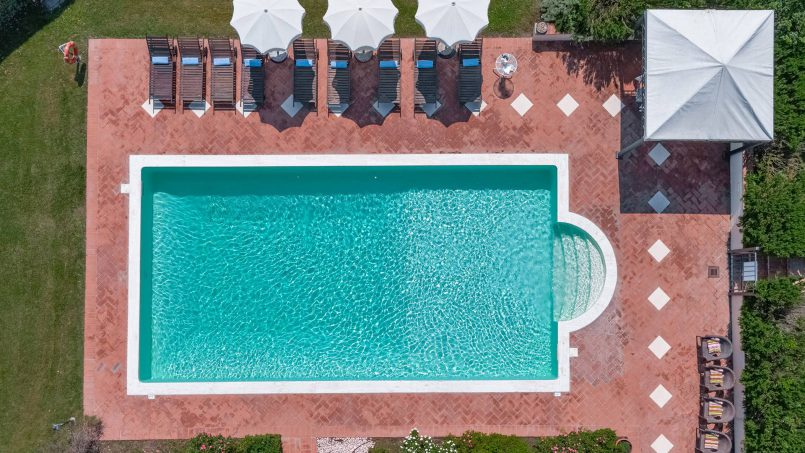 Residence double pool Dolce Villa Arezzo 12