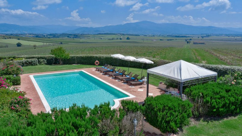 Residence double pool Dolce Villa Arezzo 15