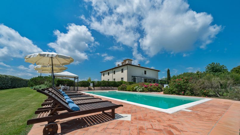 Residence double pool Dolce Villa Arezzo 18