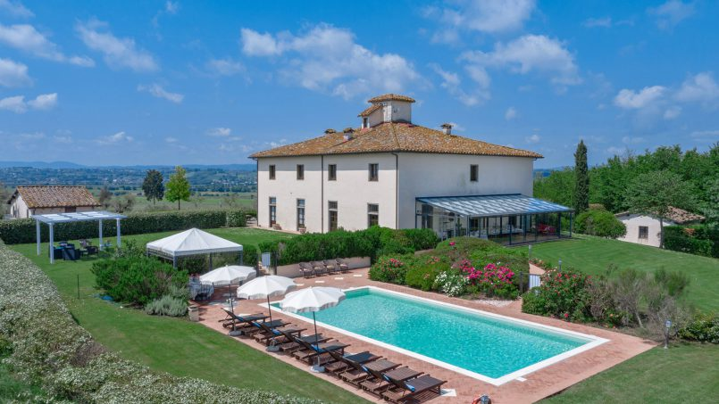 Residence double pool Dolce Villa Arezzo 2