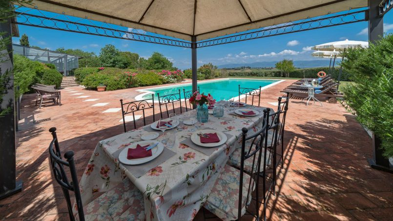 Residence double pool Dolce Villa Arezzo 20