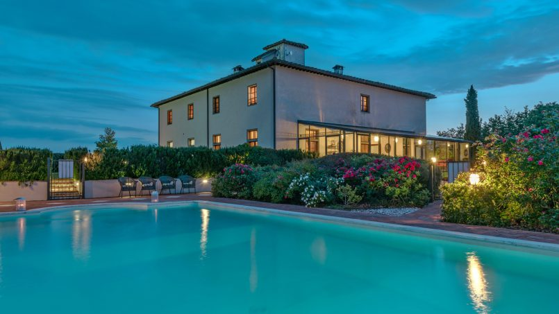 Residence double pool Dolce Villa Arezzo 35
