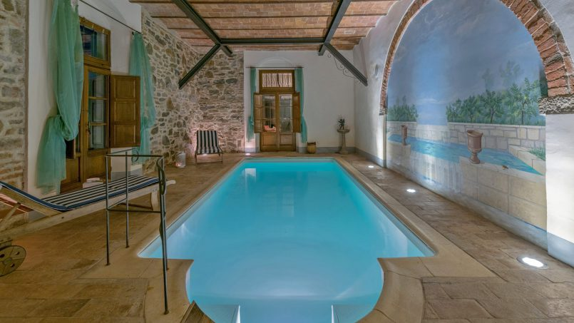 Residence double pool Dolce Villa Arezzo 48