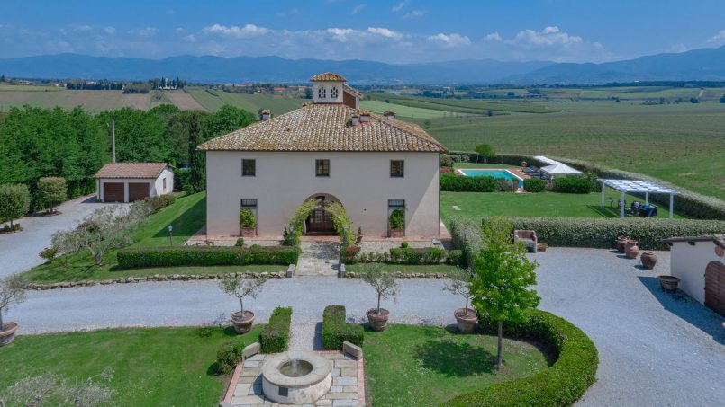 Residence double pool Dolce Villa Arezzo 5