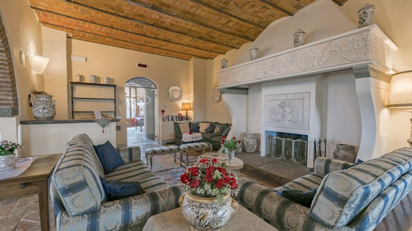 Residence double pool Dolce Villa Arezzo 53