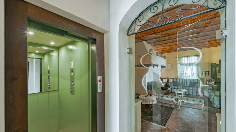Residence double pool Dolce Villa Arezzo 63