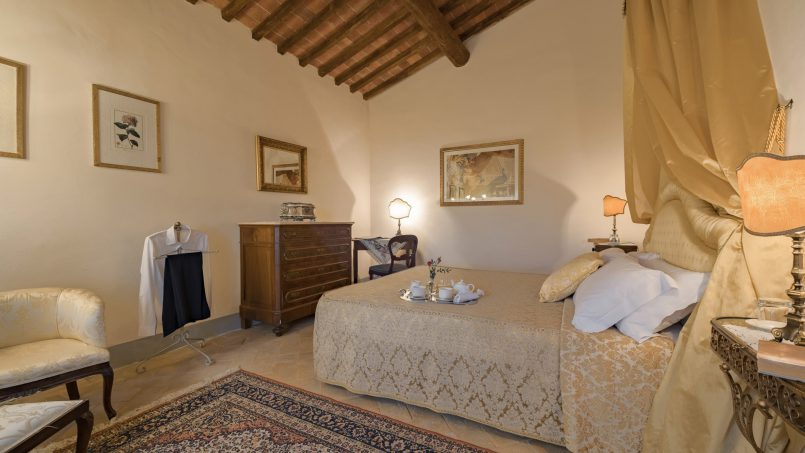 Residence double pool Dolce Villa Arezzo 80