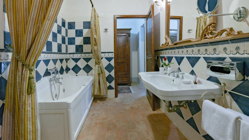 Residence double pool Dolce Villa Arezzo 91