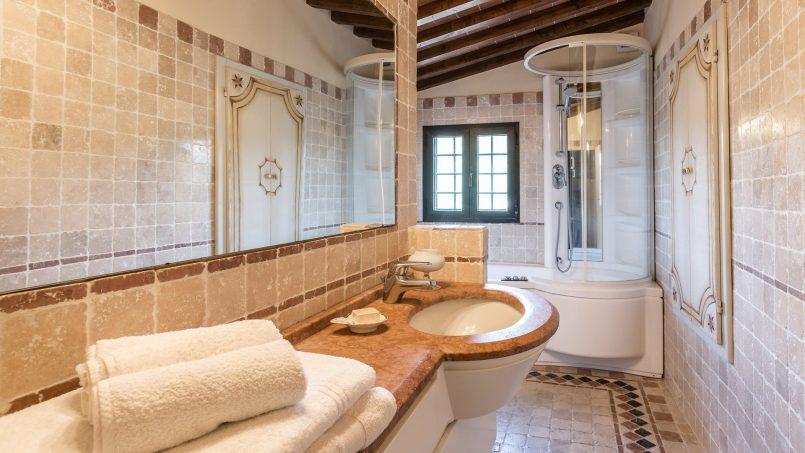 Hillside historic Villa Monsignore Tuscany Monsummano Terme 35