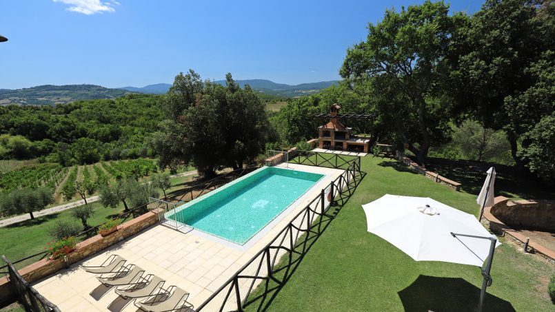 Hillside stone built Villa Insieme XII Tuscany Siena 23-1