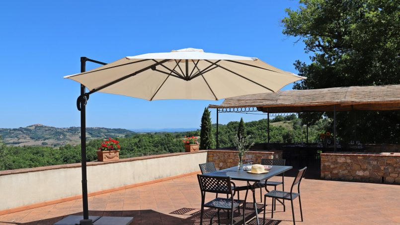 Hillside stone built Villa Insieme XVI Tuscany Siena 36