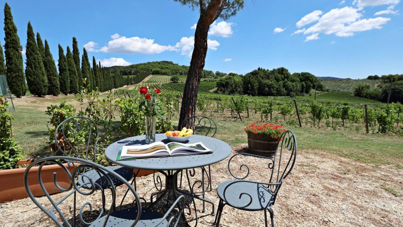 Hillside stone built Villa Insieme XVI Tuscany Siena 4-1