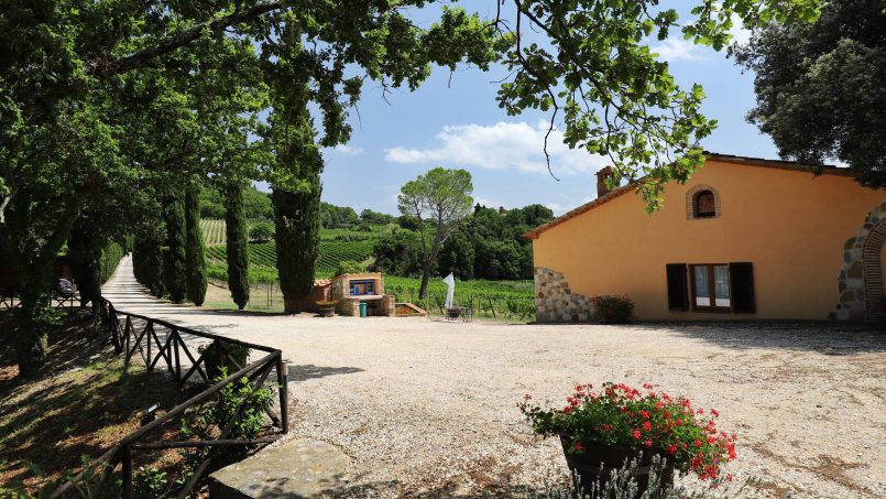 Hillside stone built Villa Insieme XVI Tuscany Siena 40