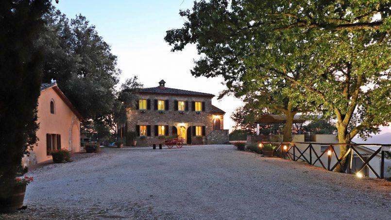 Hillside stone built Villa Insieme XII Tuscany Siena 48