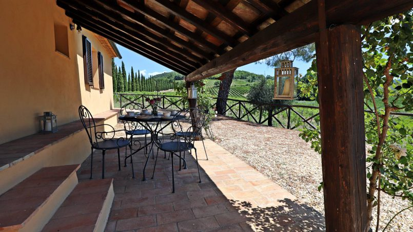 Hillside stone built Villa Insieme XVI Tuscany Siena 5